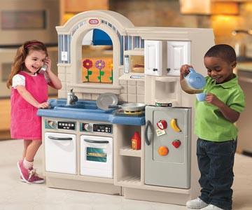 Тематични комплекти - детски кухни, сервизи, лекарски
