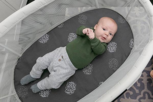 Как да изберем най-доброто бебешко кошче за сън