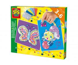Декорирай ноктите си с блестящи фигурки СЕС