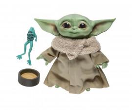 Hasbro F1115 - Star WarsTM - Детето, Бебе Йода - говореща плюшена ирачка